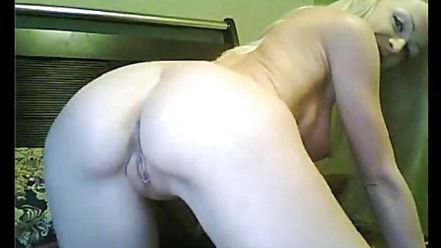 Blonde Horny Amateur Gets a Good Time in Front of the Webcam